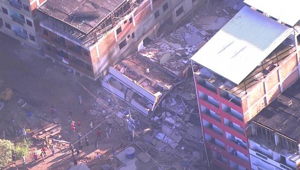 巴西里约两座建筑物坍塌 已致2人死亡