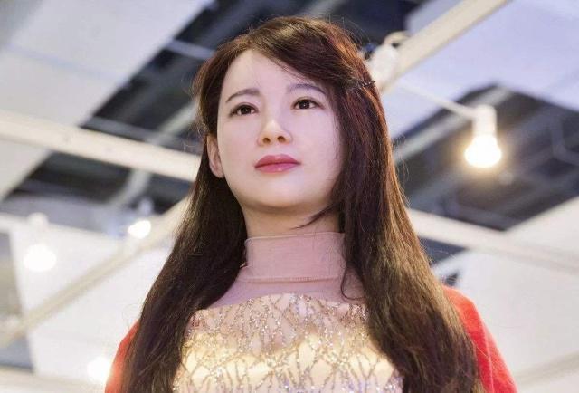 """日本新型""""女性机器人""""面向大众,内部结构极其逼真,发布当天就售罄"""