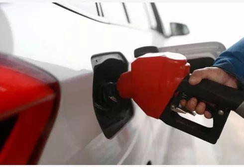 注意!今晚,油价又要变!襄阳司机加一箱油要多花这些钱…