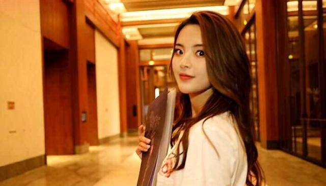 杨超越成为《中餐厅3》嘉宾,这次妥妥凭实力,你期待她吗?