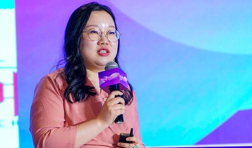 蜜芽刘楠:普通人想支持经济发展 就早结婚多生孩子