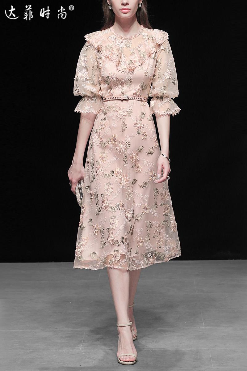 2019夏装新款欧美时尚甜优雅蕾丝灯笼袖收腰显瘦大摆连衣裙