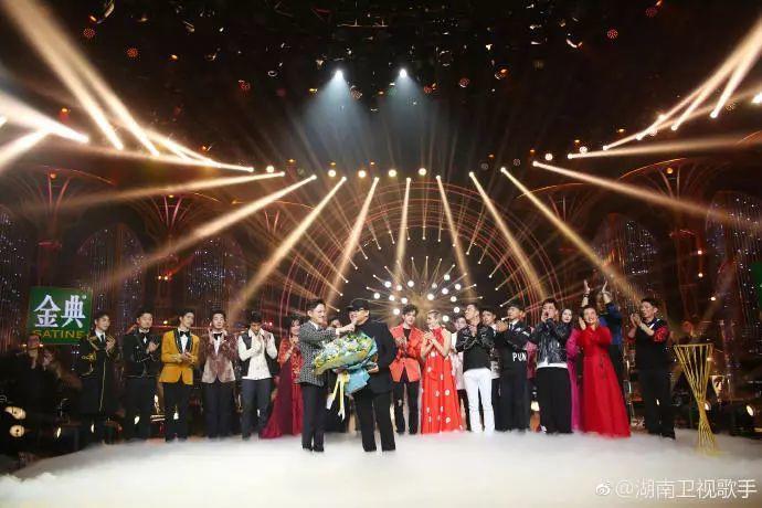 《歌手》刘欢夺冠,与姚贝娜隔空对唱《甄嬛》引泪奔!蔡依林抢镜