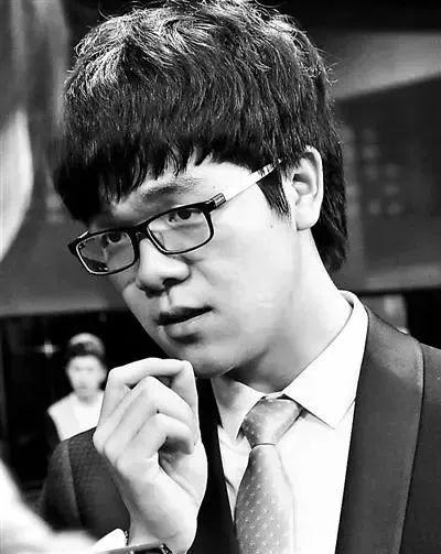 【成长的故事】八胜韩国,制霸日本,世界最年轻七连冠,中国第一棋手柯洁才21岁!