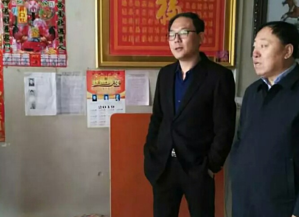 黑龙江拜泉县百姓情系工作队 锦旗相送感党恩