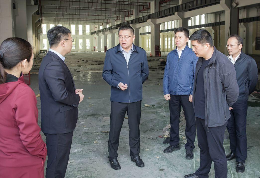 区委书记唐晓东调研走访开发区3家企业