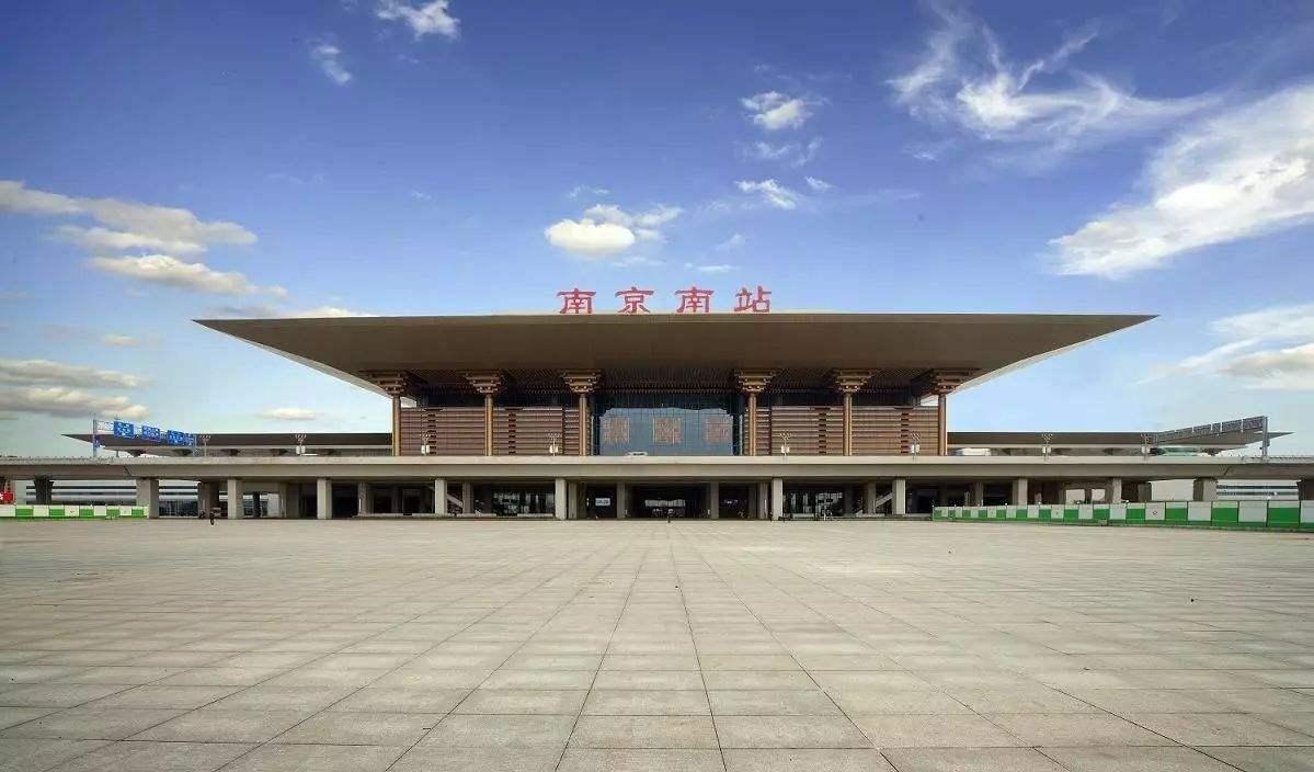 江苏最荒凉的一座高铁站,位置偏僻,周围荒芜,还是二等站