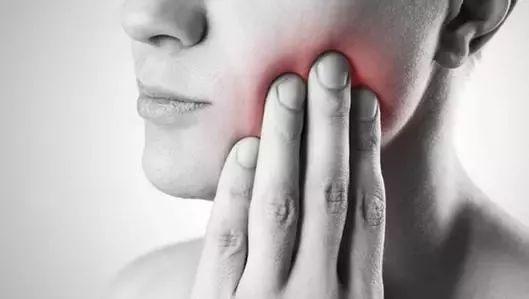 苏大强患老年痴呆的原因,可能与牙齿有关