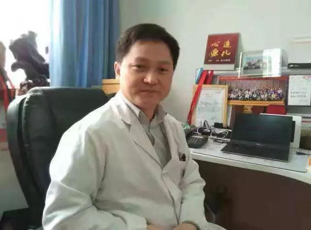 <b>上海呼吸专家郑医坐诊,给您建造健康呼吸通道</b>