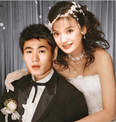 赵薇和他老公婚纱照_赵薇和他老公离婚了