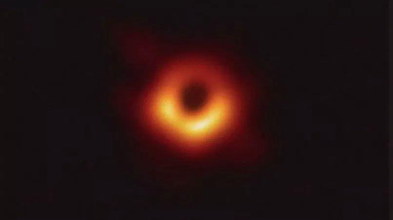 在黑洞遇见传奇