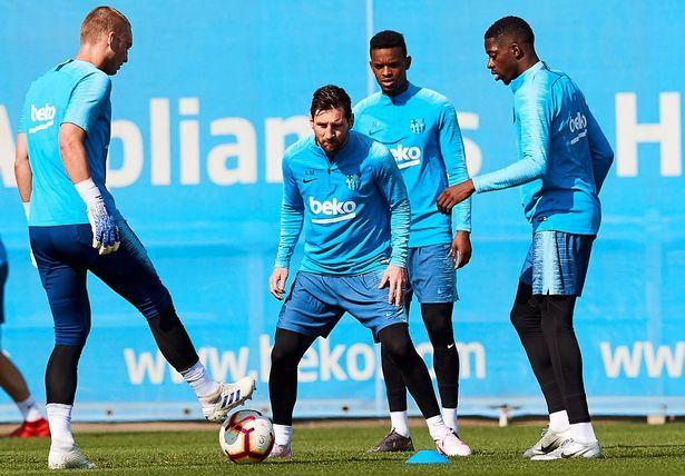 梅西回到训练场,但不会在与曼联欧冠比赛前冒