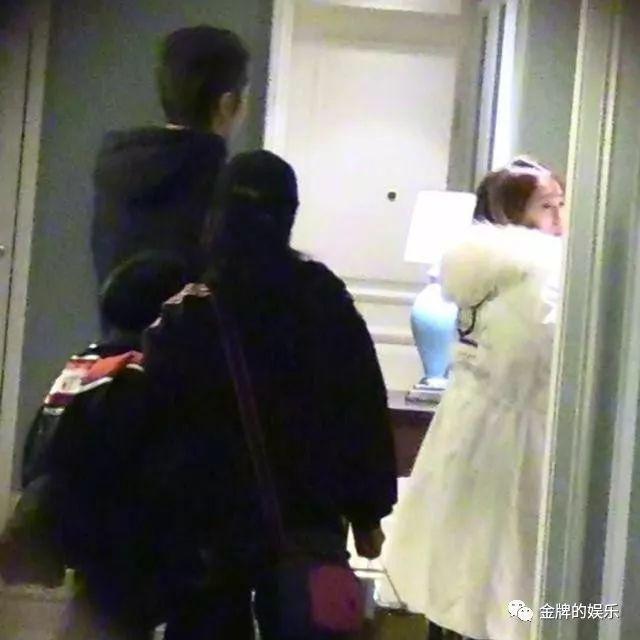 張丹峰畢瀅再出新情況,女方疑似拿著驗孕棒進入房間