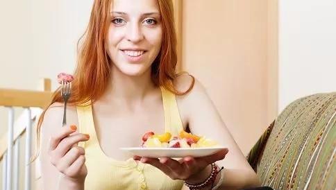 不吃晚餐可以排毒减肥?不吃晚餐能长寿?不吃晚饭到底有何作用?