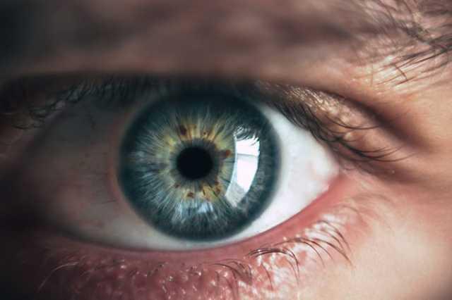 每天推框镜无数次,不如做个近视手术一劳永逸?