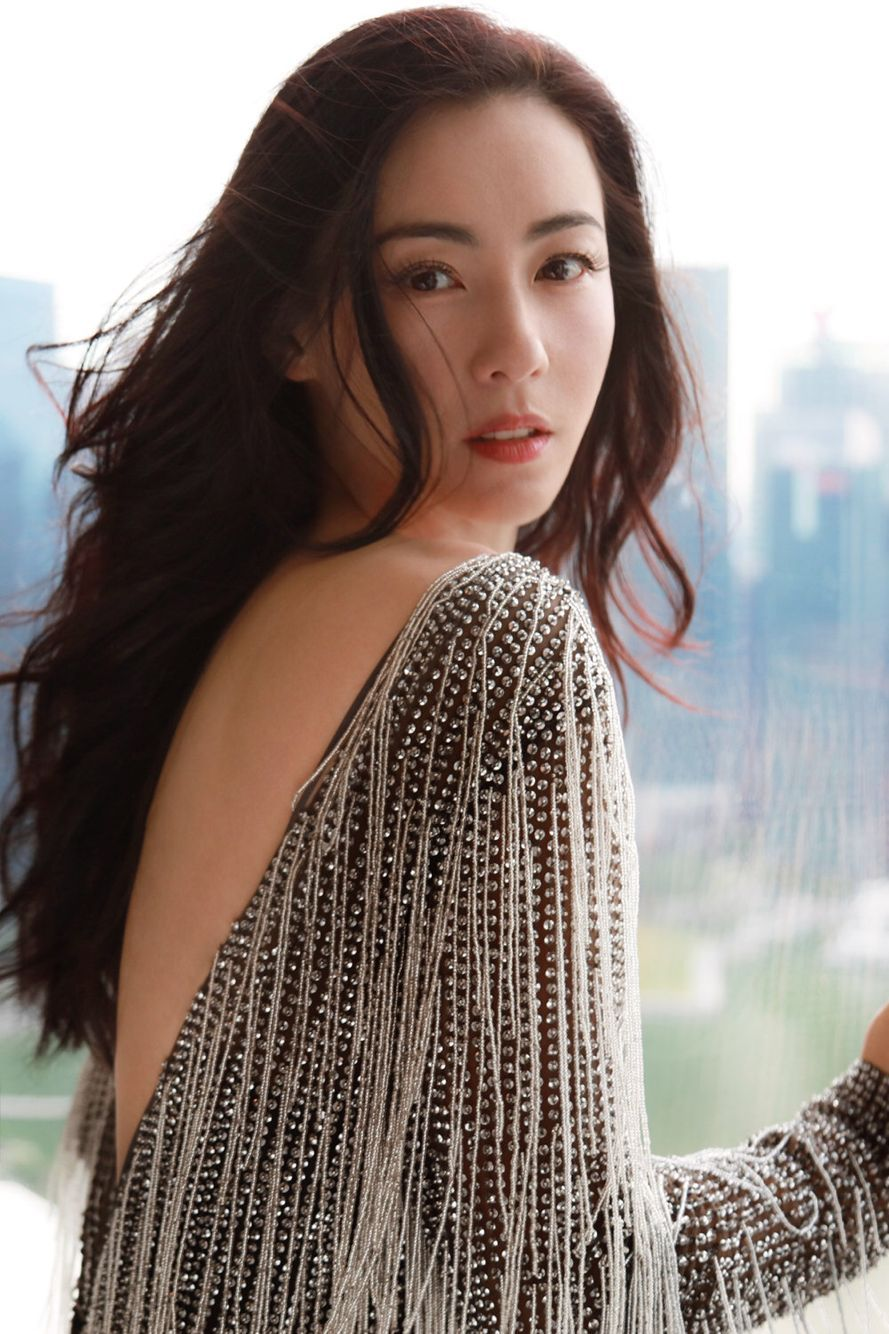 张柏芝闪耀新加坡大奖美到发光,被问第三胎孩子父亲,她这样回答