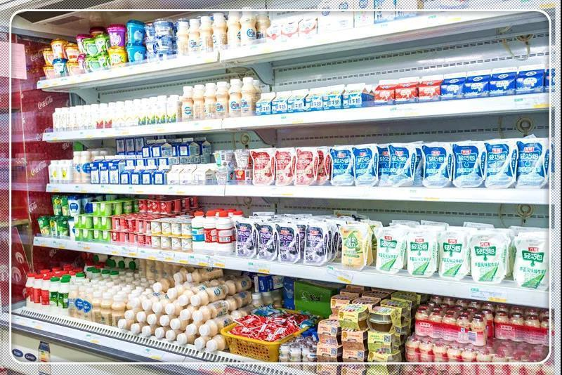 """<b>别再买那些""""假酸奶""""了,含糖量比可乐还高,不要给孩子吃了!</b>"""