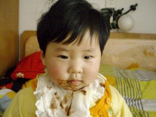 忠告:孩子睡觉前,宁可饿着也不能碰4种食物!不然伤脾、不长个
