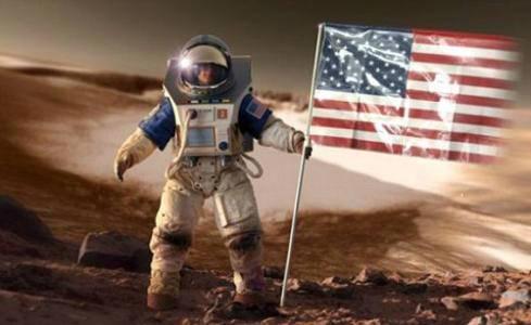 美国欲在2033年登陆火星,宇航员将在火星待两年,欲先拿登月练兵