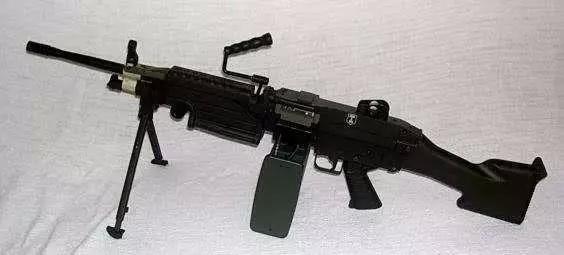 绝地求生 菜鸟独爱M416而大神却喜欢这四把枪,第四个比AWM还强