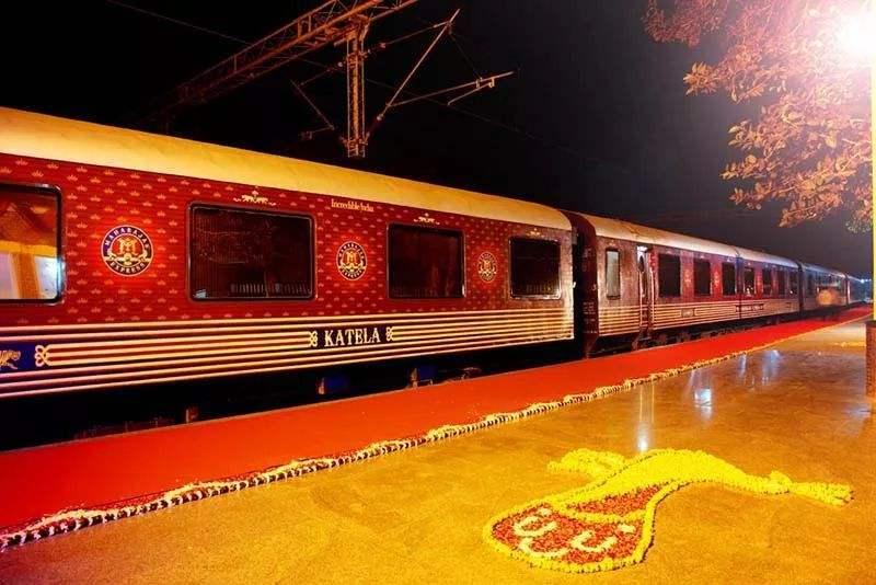 世界上最慢的火车,1100公里行驶8天7夜,游客 完全是一种享受
