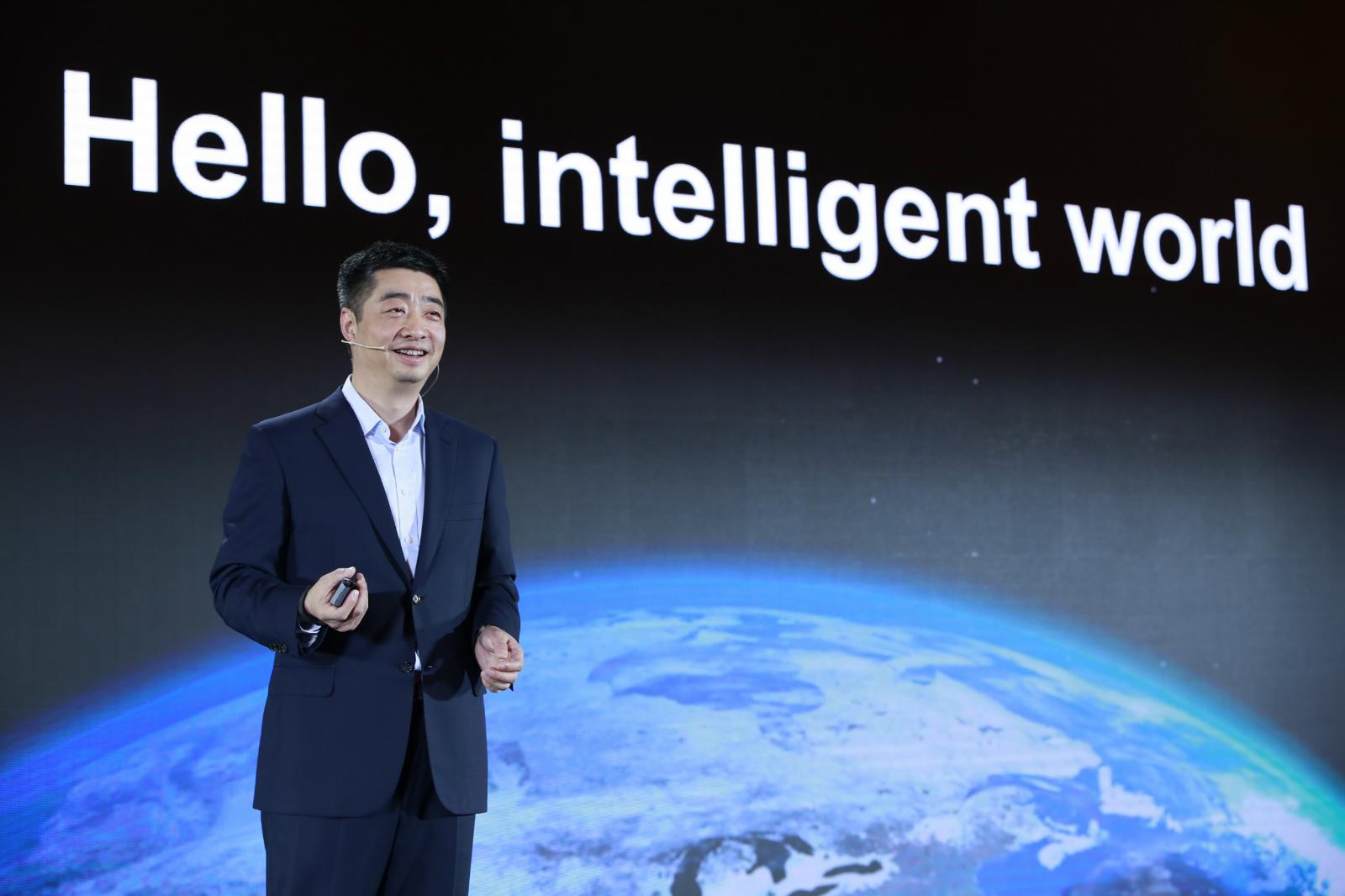 华为胡厚崑:芯片战略坚持自主可控和开放道路,不会独立丨钛快讯_业务