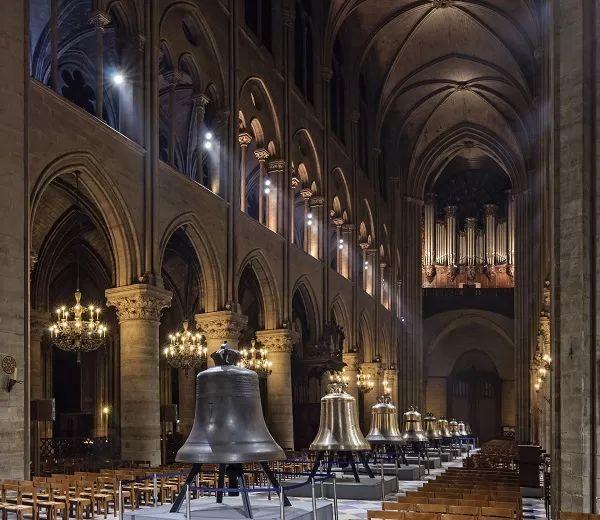 万幸 巴黎圣母院珍贵文物免遭毁坏,却有人这样说