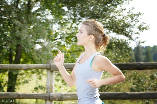 接力跑是在青少年中广泛开展的运动项目