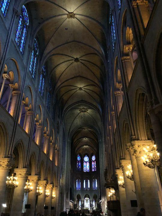 钟楼绝响 巴黎圣母院塔尖烧塌,对于法国它意味着什么