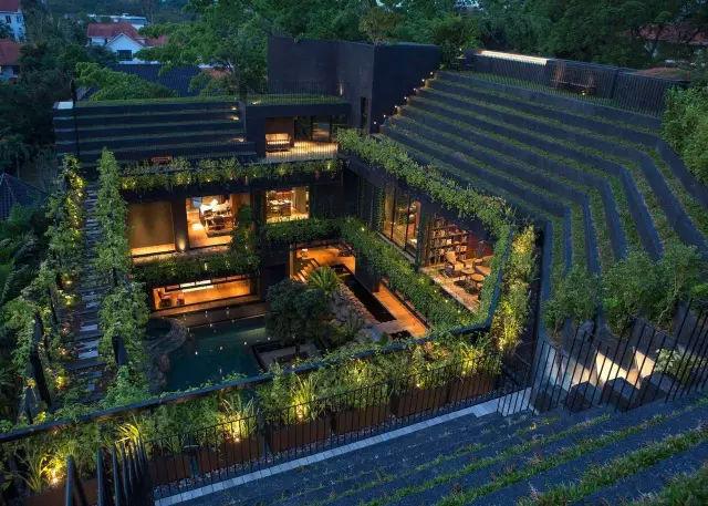 会呼吸的房子:在自己家的屋顶上建梯田