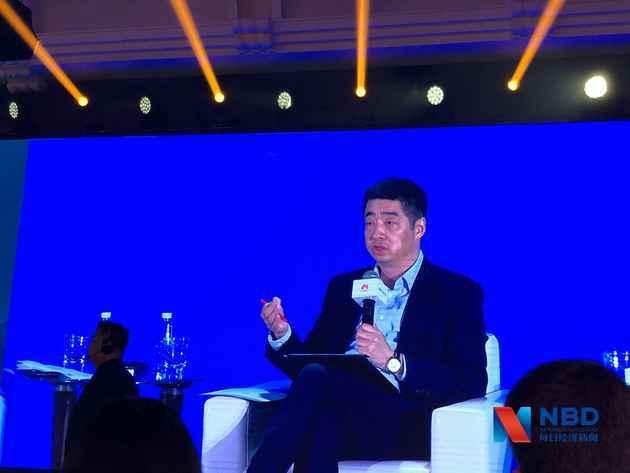 华为轮值董事长胡厚崑:期望今年运营商业务获得两位数增长_投资