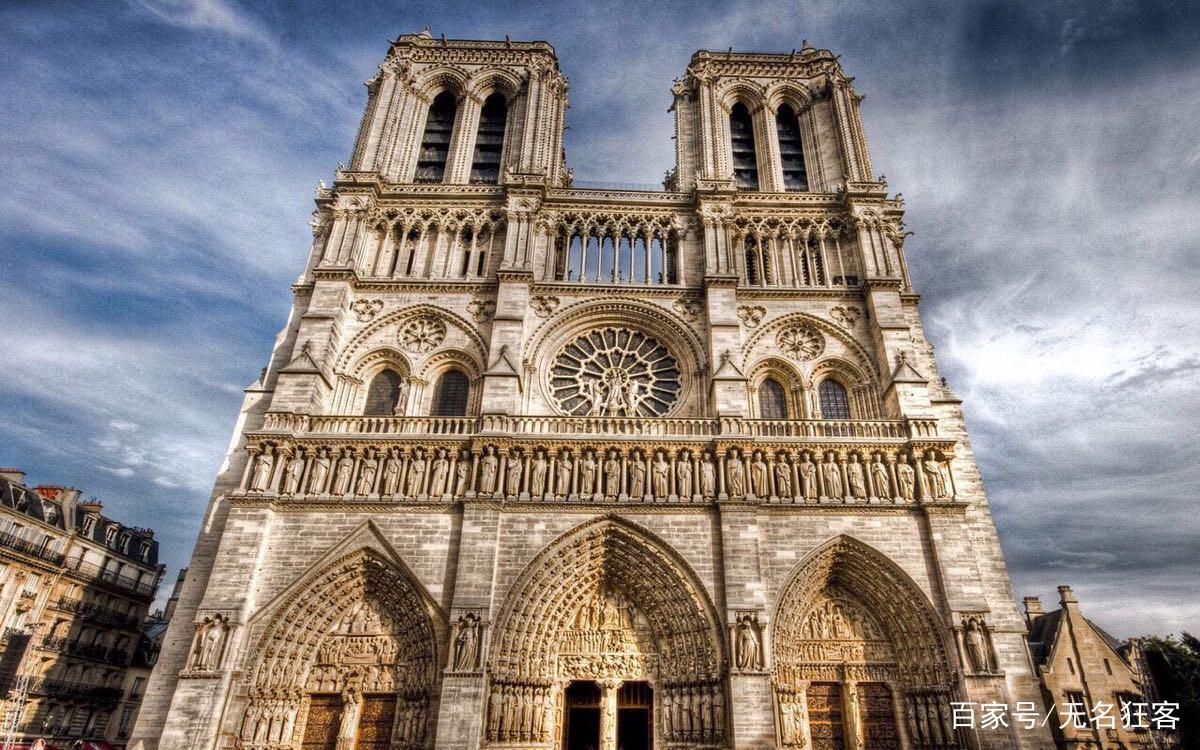 巴黎圣母院建造了182年,而且在法国大革命期间就被烧毁过一次