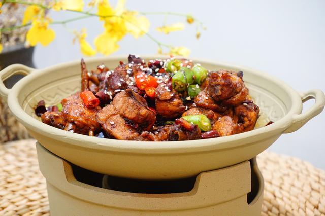 香辣干锅鸡不喂饲料的价格猪肉图片