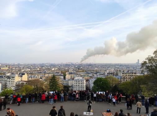 巴黎圣母院大火  他们是最后一批参观的中国游客
