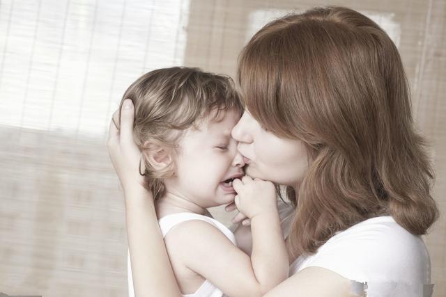 安抚奶嘴多大才能用,几岁必须戒,有哪些安全隐患,你都知道吗?