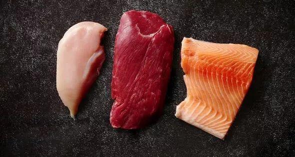 这些食材你在厨房都会遇到,中西餐厨师有何不同技巧?