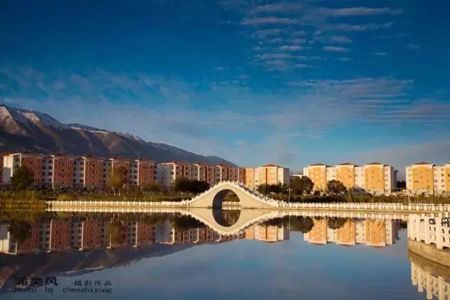 五月的新疆哪里最好玩?这8个地方最值得你去!_乌鲁木齐旅游攻略