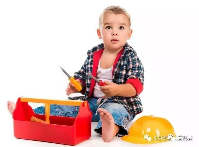 宝宝穿衣服是有学问的!宝妈们要知道