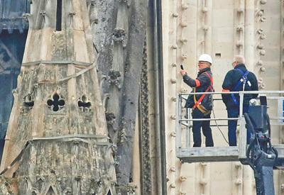 巴黎圣母院大火再敲文物保护警钟(国际视点)