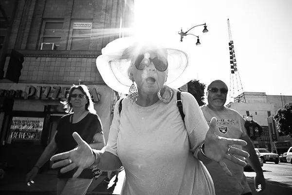 摄影技巧丨10个美妙的街头摄影小技巧