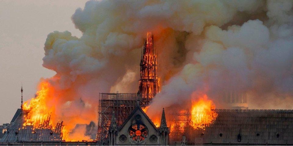 库克发推:苹果将捐款帮助重建巴黎圣母院