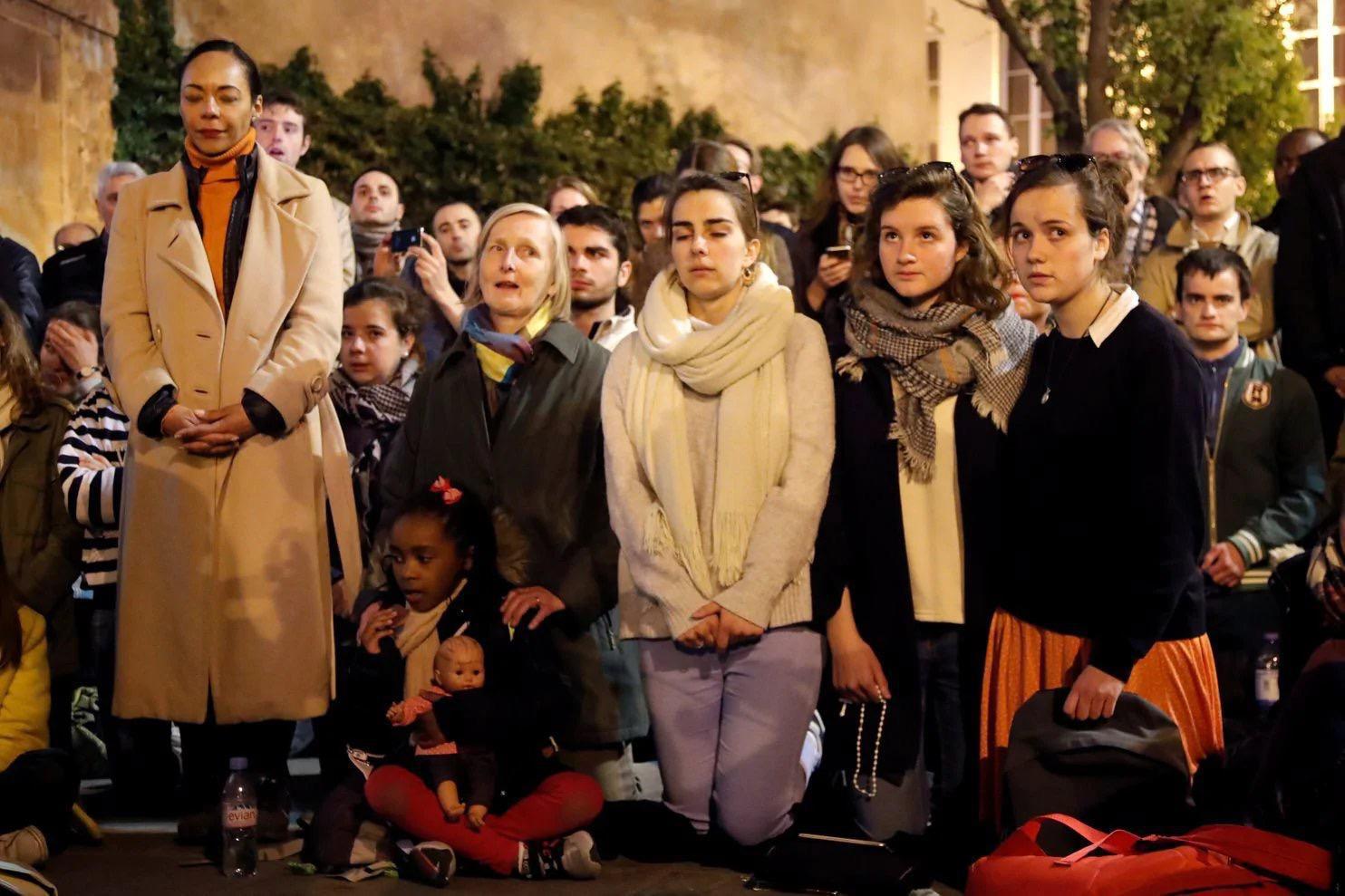 巴黎圣母院大火烧痛全人类 珍贵文物怎样了?