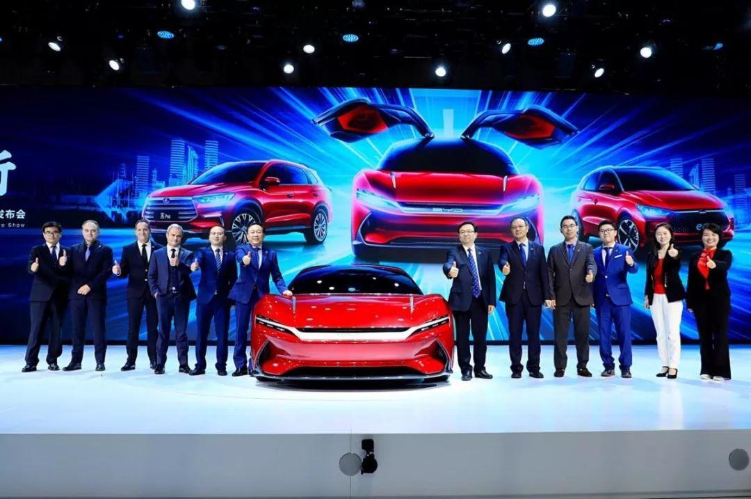 新车  |  比亚迪多款新车亮相上海车展  |  Y车评