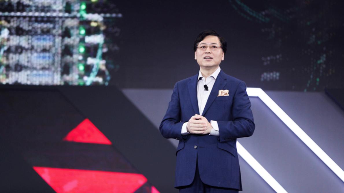 联想PC重夺全球第一 杨元庆:联想最好的时刻来了