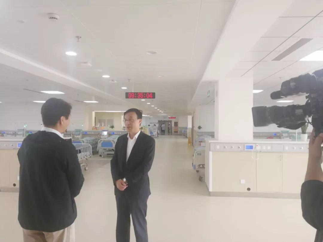 张平主任接受央视财经频道记者采访
