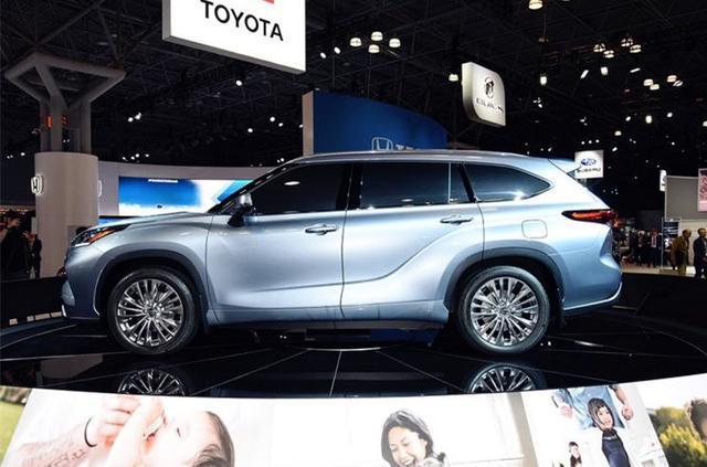 丰田又火了 2020款 汉兰达 正式亮相,8座布局,配2.5L混动