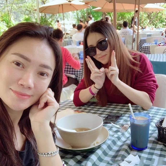 朱庭萱的闺蜜不仅有张柏芝和郑秀文,还有人称 社交皇后 的她