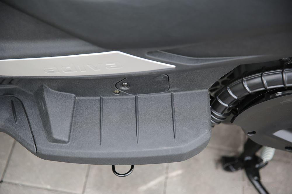 试驾进口倒三轮ADIVA400价格亲民媲美汽车出行