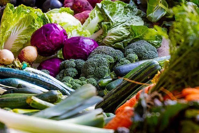 """【必看】吃这个致癌,吃那个也致癌?这些""""蔬菜谣言""""又来吓唬人"""