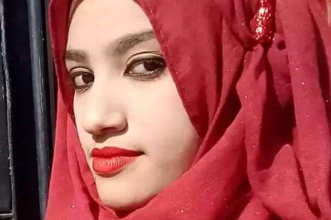 孟加拉国19岁女孩因举报校长性骚扰,被活活烧死